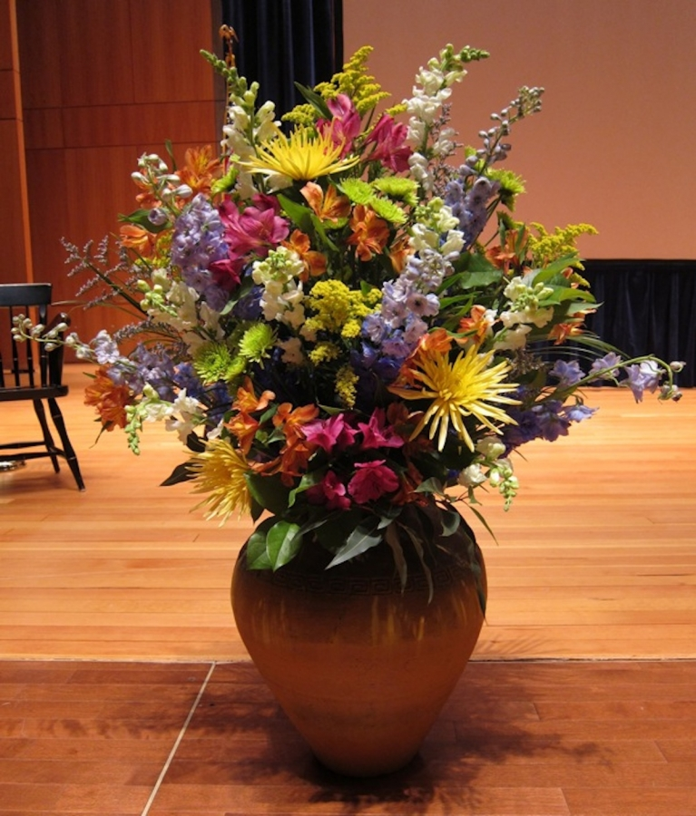 large-vase-on-stage