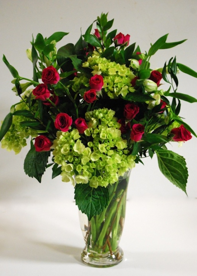 vase-hydrangea and spray-roses
